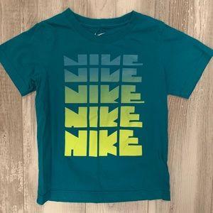 Nike boys tee